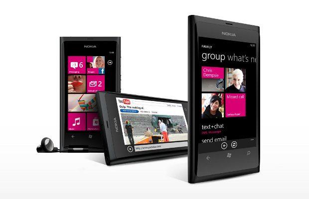 [Image: Nokia-Lumia-800-2.jpg]