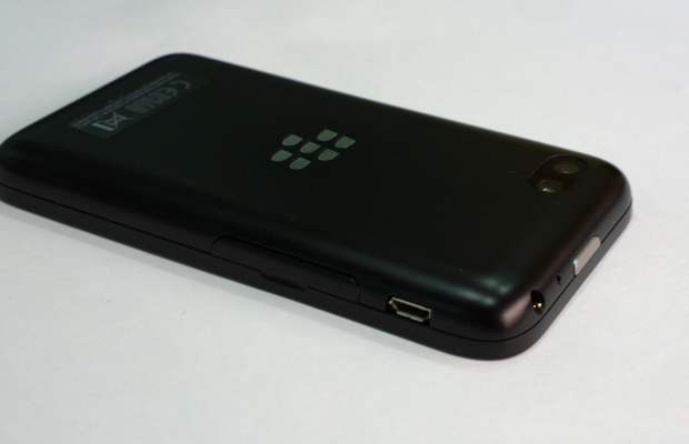 Mobile review: BlackBerry Q5