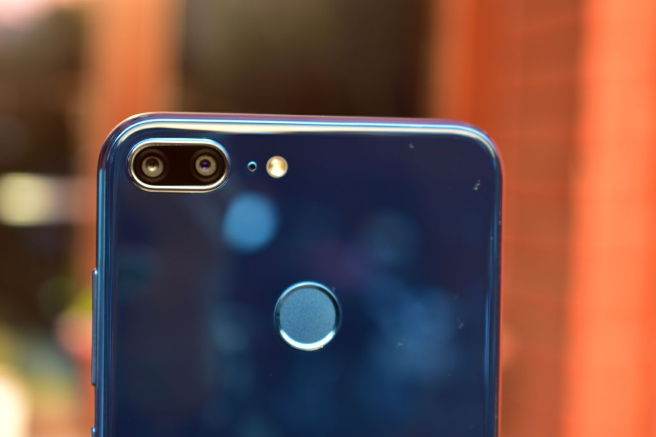 Honor 9 Lite First Impressions: Premium design at budget price!
