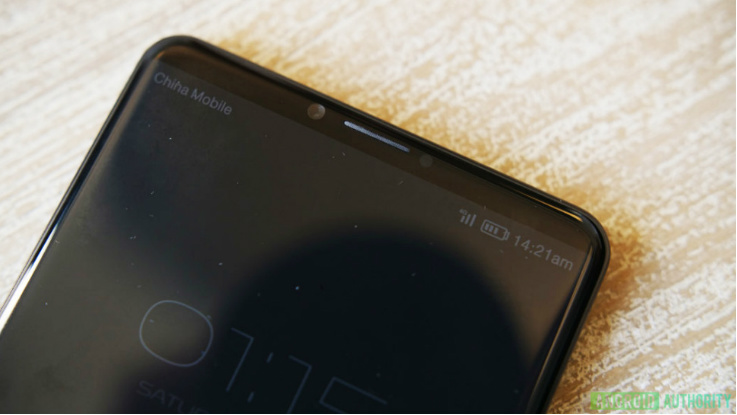 New Huawei P20 live images leaked sans the headphone jack