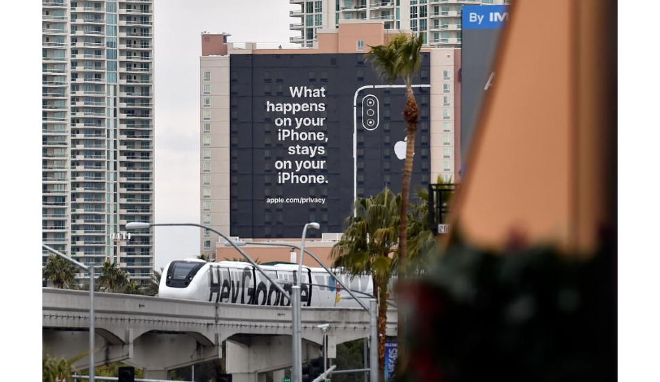 Apple mocks Google over user privacy