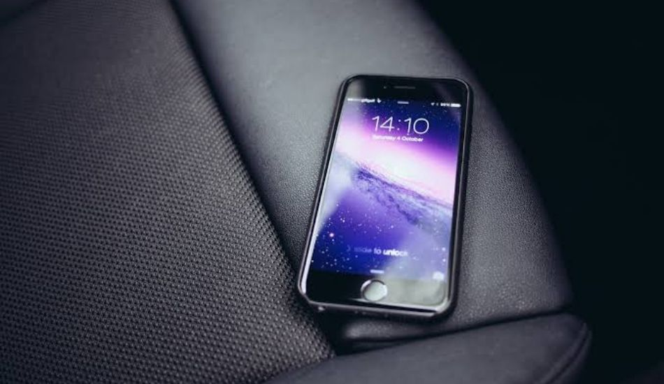 India's smartphone market declines in 2020