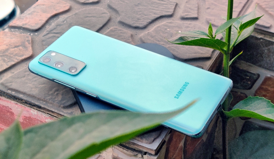 Samsung Galaxy S20 FE Review: Light on price  but is it high on performance?