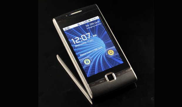 Resistive or capacitive: Choosing the right touchscreen phone
