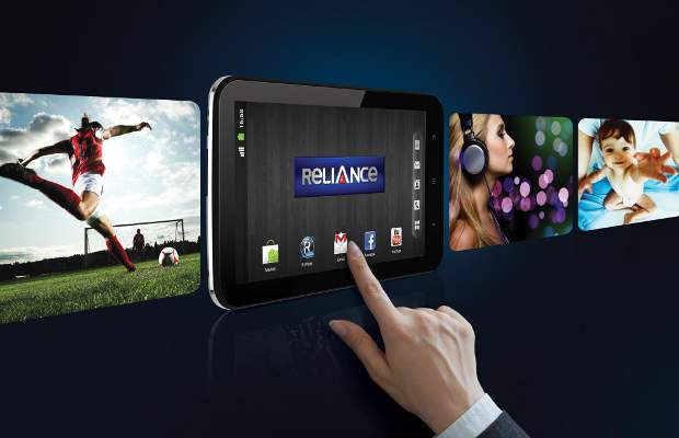 RCom's first CDMA tablet available in RCom stores from today