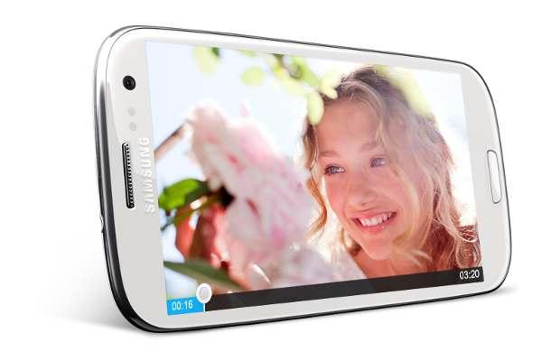 Samsung unveils Galaxy S III with HD Super Amoled display