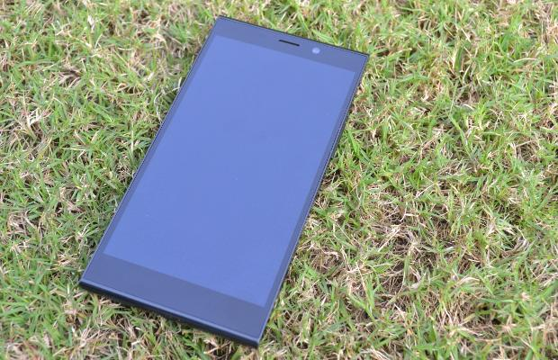 First cut: Gionee Elife E7