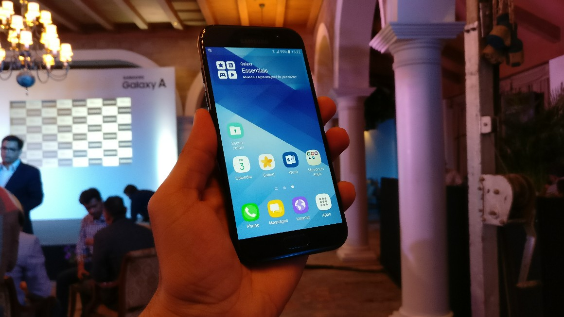 Samsung Galaxy A5 (2017) in Pictures