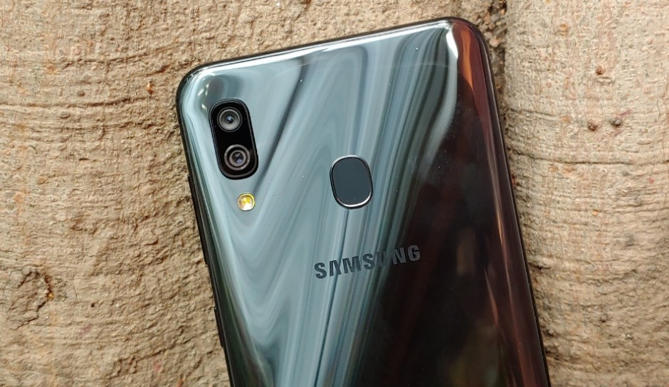 Samsung getting sued over misleading water resistance of Galaxy phones