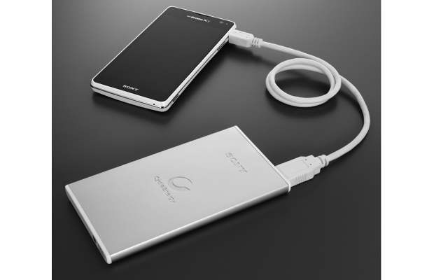 Sony to launch light weight external batteries for smartphones