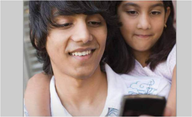 21 percent Kids in India hooked on to mobile internet: Study