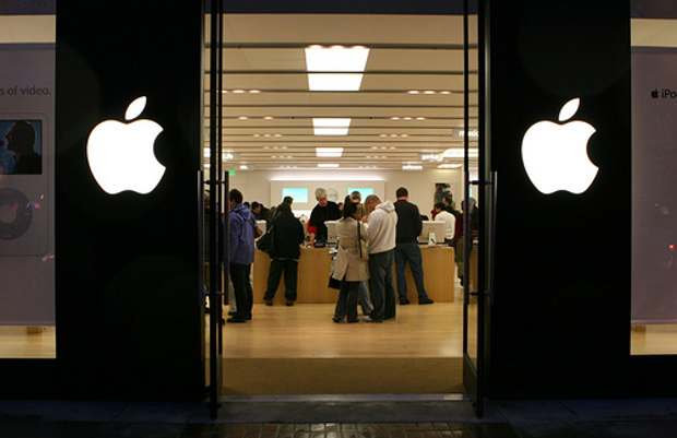 Apple optimistic about opening retail store in India