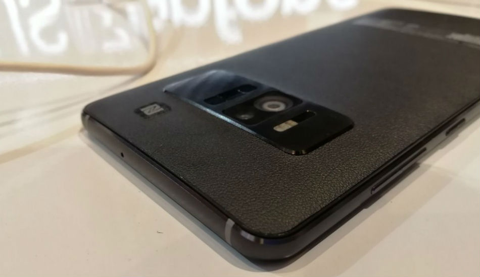 Asus Zenfone AR First Impressions: Finally a phone with a futuristic concept!