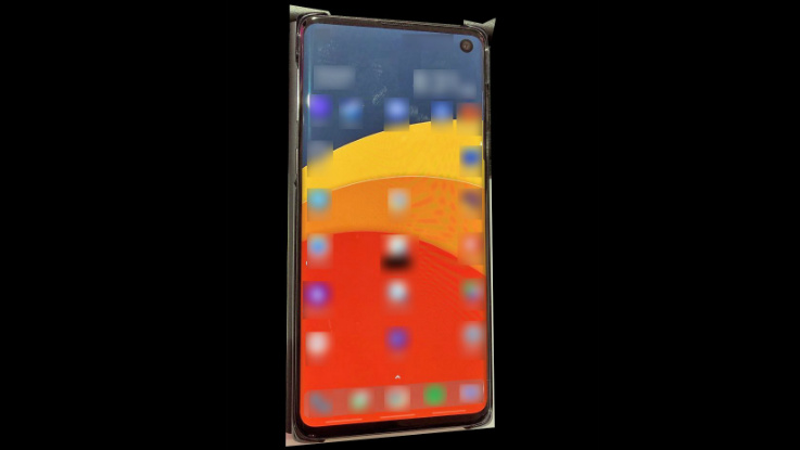 Samsung Galaxy S10 to go on pre-orders from February 21, new leaks reveal key design details