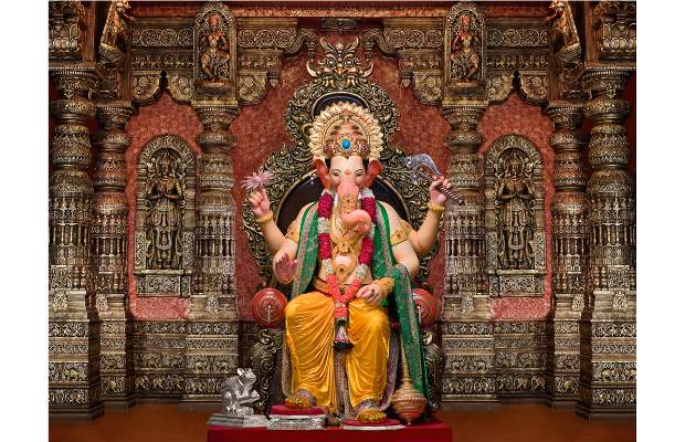 Worship Lal Baugcha Raja from your mobile this year