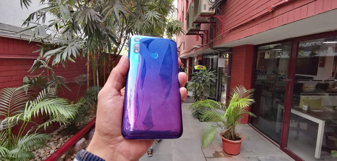 Micromax Infinity N12 in Pictures