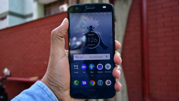 Moto Z2 Force Review: A phone for butterfingers!