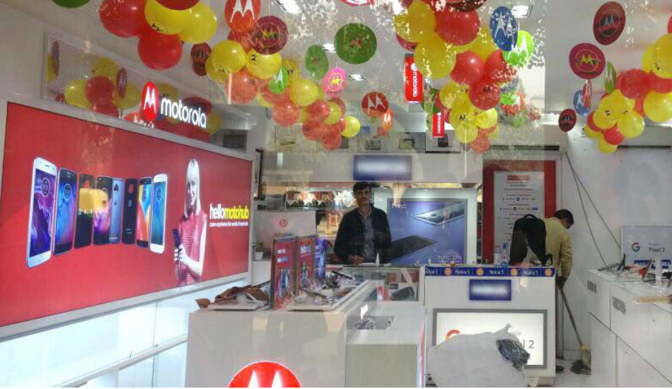 Motorola expands its retail presence in Punjab, announces 51 Moto Hubs