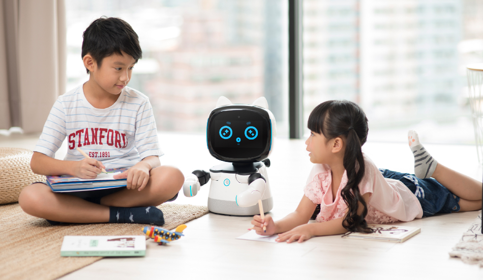 MWC 2019: Taiwan Excellence presents Kebbi, Robelf and Smart Service humanoid Robots