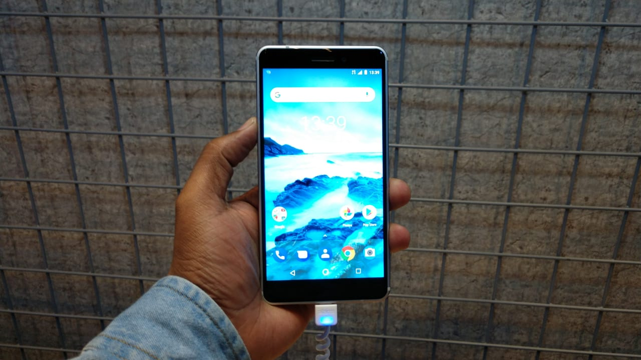 Nokia 6 (2018) in pictures