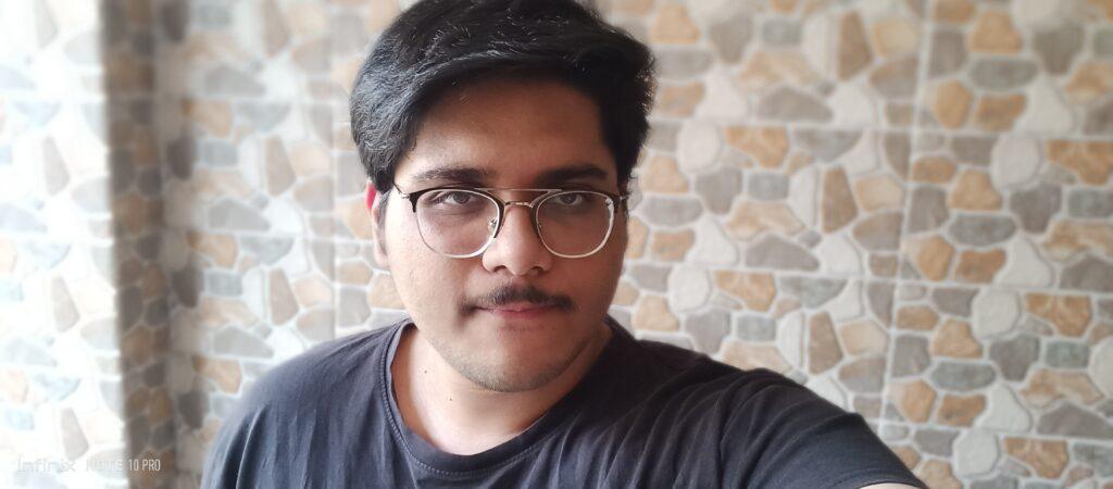 Note 10 Pro portrait selfie
