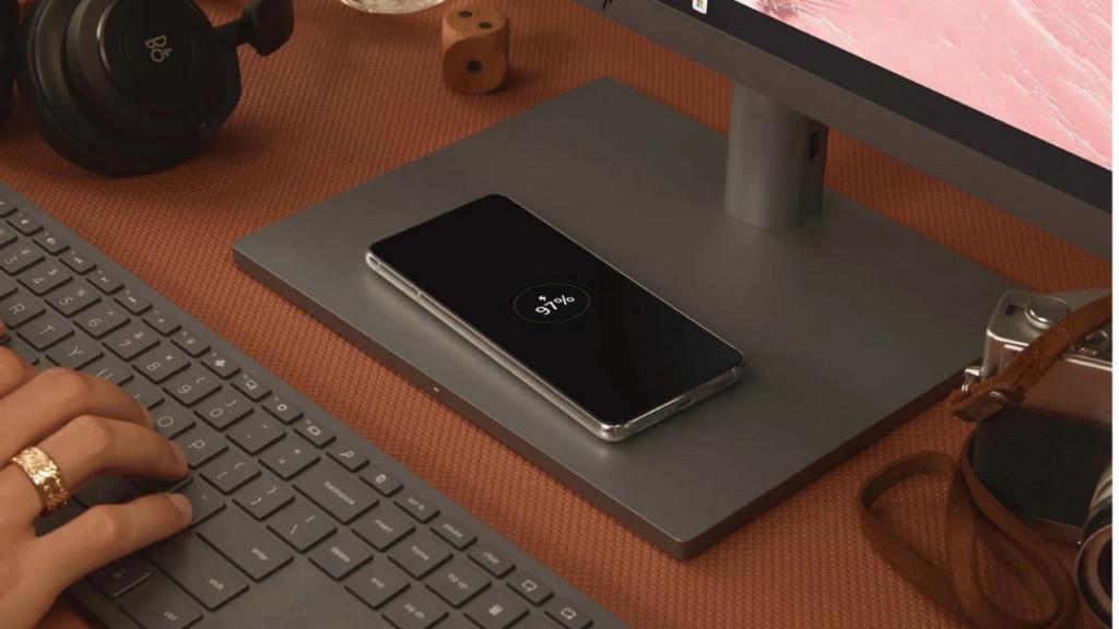 Envy 34-inch AiO Desktop PC wireless charging